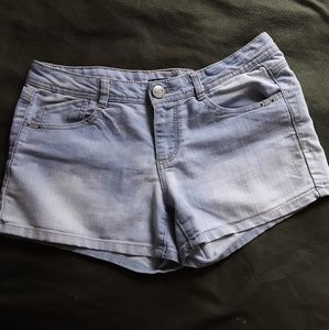 Lightwash jean shorts